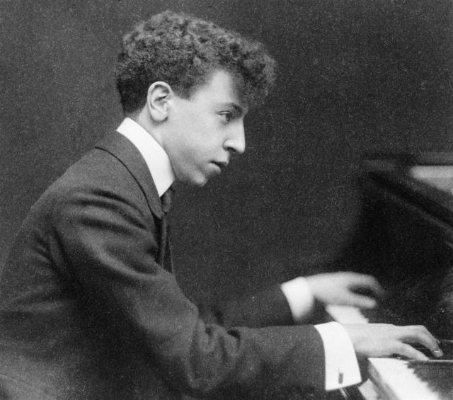 Arthur Rubinstein in 1906.